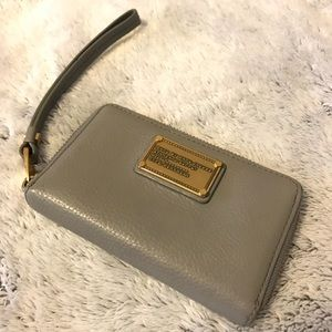 Marc by Marc Jacobs Grey Leather Wristlet